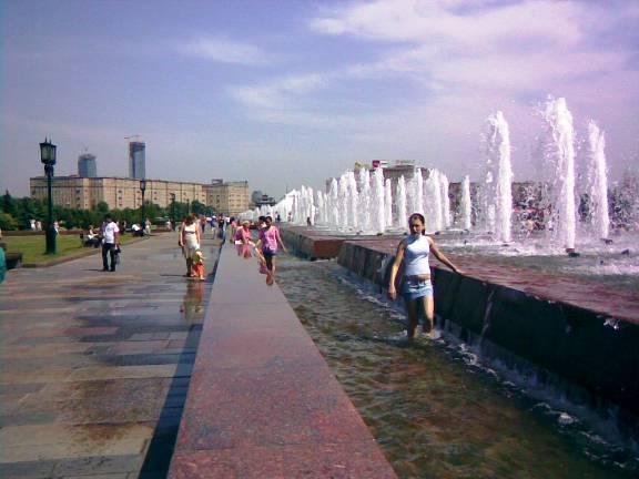 Фото Mosgrad.ru Фонтан на Поклонной горе в Москве